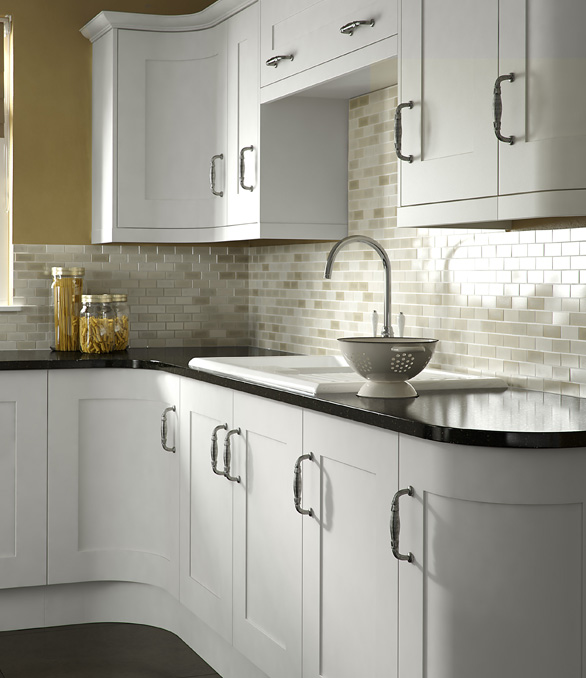 Classic Painted Kitchen - Chippendale Kitchens | Supplied and Installed by Kingsbury Kitchens