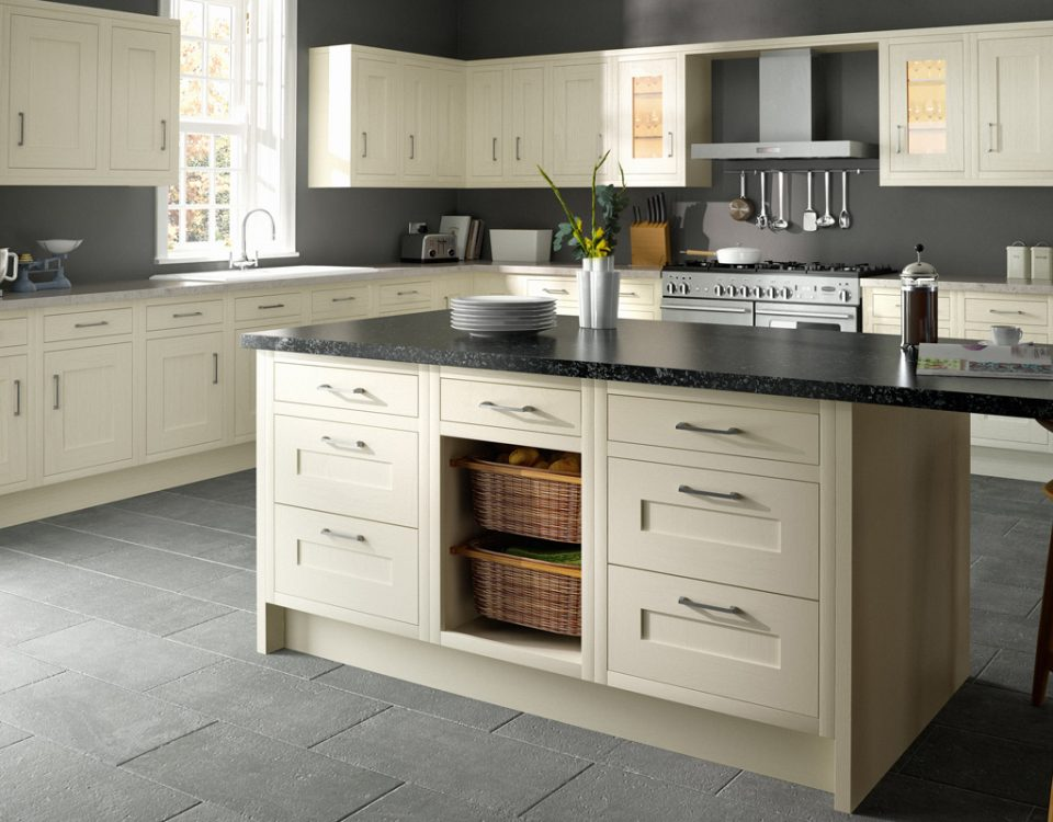 In-Frame Ivory Traditional Style Kitchen - Chippendale Kitchens   Supplied and Installed by Kingsbury Kitchens